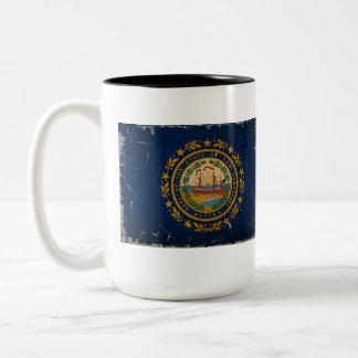 ニューハンプシャーの州の旗のヴィンテージ ツートーンマグカップ