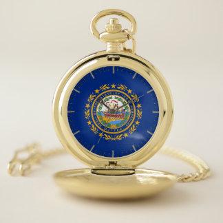 ニューハンプシャーの旗が付いている愛国心が強い壊中時計 ポケットウォッチ