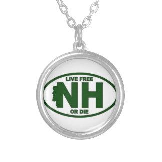 ニューハンプシャーの生きている料金はまたは死にます シルバープレートネックレス