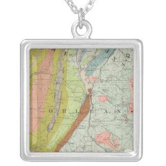 ニューハンプシャー3の地質地図 シルバープレートネックレス