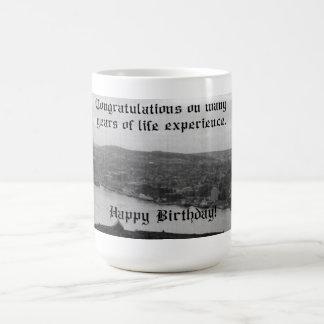ニューファウンドランドの誕生日のマグ コーヒーマグカップ
