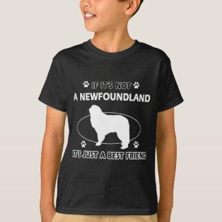 ニューファウンドランド犬のデザイン Tシャツ