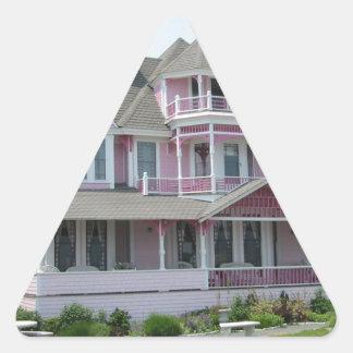 ニューポートのピンクの家 三角形シール