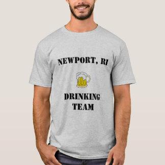 ニューポートのRIの飲むチーム Tシャツ