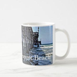 ニューポートビーチ-白11のozのクラシックで白いマグ コーヒーマグカップ