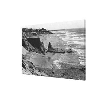 ニューポート、オレゴンのビーチの眺めのオレゴンの海岸 キャンバスプリント