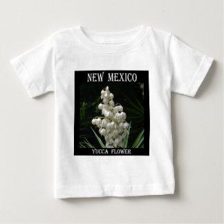 ニューメキシコのユッカの花 ベビーTシャツ