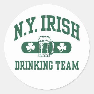ニューヨークのアイルランドの飲むチーム ラウンドシール