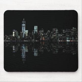 ニューヨークのスカイラインの素晴らしい夜写真 マウスパッド