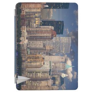 ニューヨークのスカイラインマンハッタンハドソン iPad AIR カバー