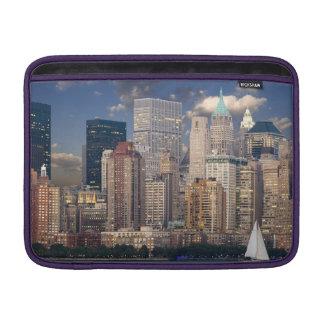 ニューヨークのスカイラインマンハッタンハドソン MacBook スリーブ