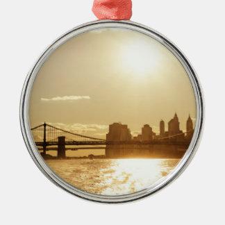 ニューヨークのスカイライン上の都市景観の日没 メタルオーナメント