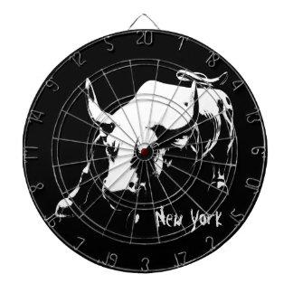 ニューヨークのダート盤のニューヨークBullの彫像のダート盤 ダーツボード