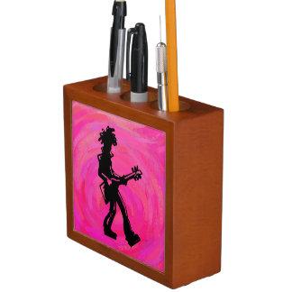 ニューヨークのブギウギ夜ギターのショッキングピンク ペンスタンド