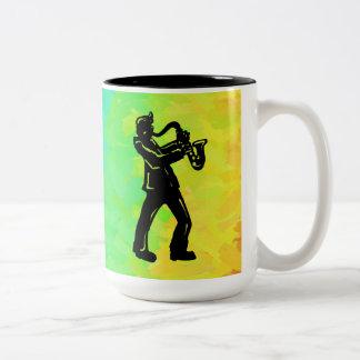 ニューヨークのブギウギ夜サクソフォーンの虹 ツートーンマグカップ