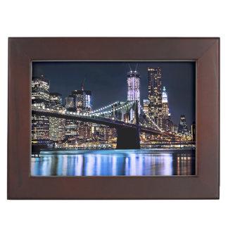 ニューヨークのブルックリン橋の反射の眺め ジュエリーボックス