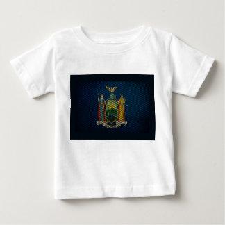 ニューヨークの旗によって拡大される金属 ベビーTシャツ