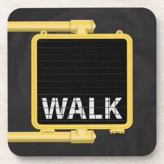 ニューヨークの横断歩道の印の歩行 コースター