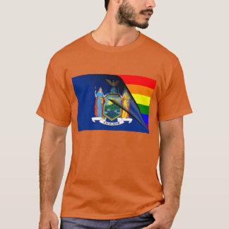 ニューヨークの虹の旗 Tシャツ