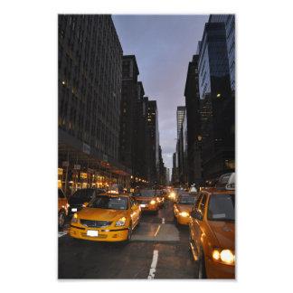 ニューヨークの黄色いタクシーの都市景観の写真のプリント フォトプリント