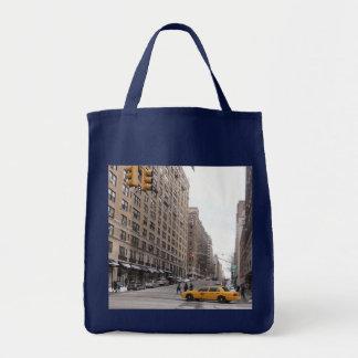 ニューヨークの黄色いタクシー トートバッグ