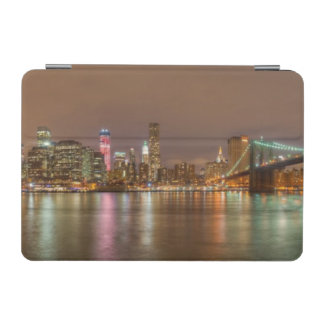 ニューヨークシティのスカイラインのパノラマ iPad MINIカバー