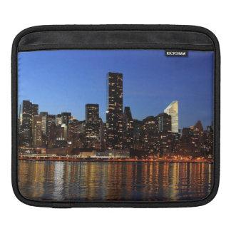 ニューヨークシティのスカイラインのSunseting iPadスリーブ
