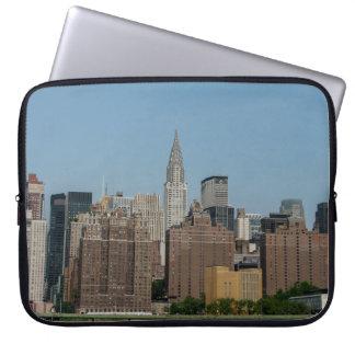 ニューヨークシティのスカイライン ラップトップスリーブ