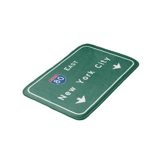 ニューヨークシティの州間幹線道路の高速道路の交通標識 バスマット