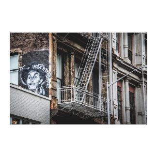 ニューヨークシティの通りの落書きの写真 キャンバスプリント