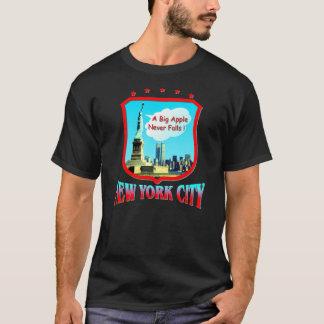 ニューヨークシティの黒いTシャツ Tシャツ