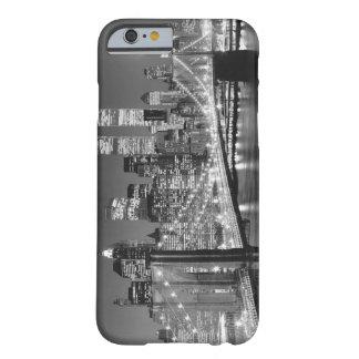 ニューヨークシティ BARELY THERE iPhone 6 ケース