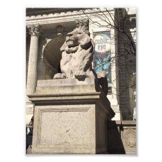 ニューヨークシティNYCの公共図書館のライオンの彫像 フォトプリント