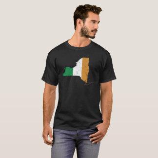 ニューヨーク上のアイルランドの旗 Tシャツ