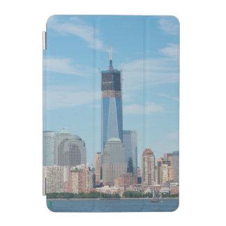 ニューヨーク、ニューヨーク。 マンハッタン都市スカイライン iPad MINIカバー