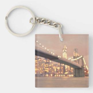 ニューヨーク-夢みるような《写真》ぼけ味のブルックリン橋 キーホルダー