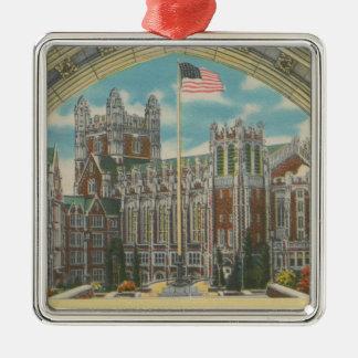ニューヨーク、NY -旗の都市大学眺め シルバーカラー正方形オーナメント