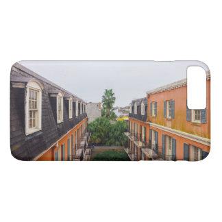 ニュー・オーリンズの建物そしてヤシの木 iPhone 8 PLUS/7 PLUSケース