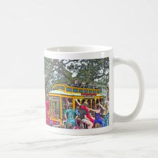 ニュー・オーリンズの謝肉祭パレード コーヒーマグカップ