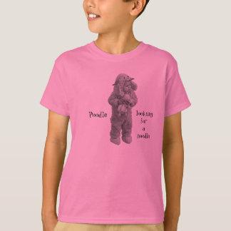 ヌードルを捜しているプードル Tシャツ
