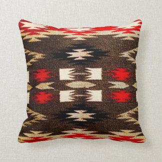ネイティブアメリカンのナバホー人の種族のデザインのプリント クッション