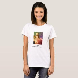 ネイティブアメリカンの女性の彫像 Tシャツ