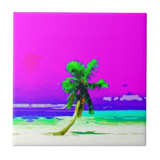 ネオンピンクのヤシの木の楽園 タイル
