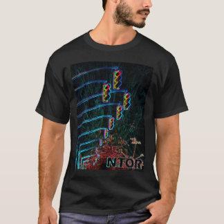 ネオンライトのNTORの列 Tシャツ