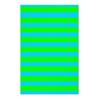 ネオンライムグリーンおよびティール(緑がかった色)の青い縞 便箋