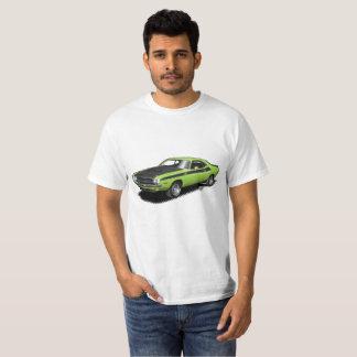 ネオン緑の挑戦者クラシックな車のTシャツ Tシャツ