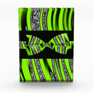 ネオン緑及び黒いシマウマのグリッターは縞で飾ります 表彰盾