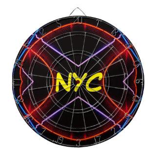 ネオンNYCははっきりしたな投げ矢のおもしろいCricketDianeをつけます ダーツボード