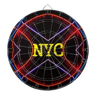 ネオンNYCはトレンディーの投げ矢のおもしろいCricketDianeをつけます ダーツボード