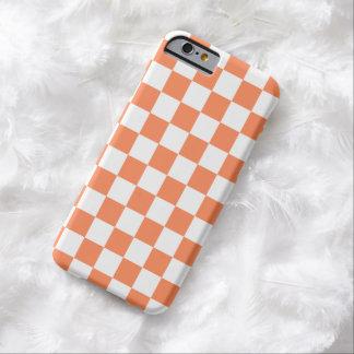 ネクタリンのオレンジのチェッカーボードのiPhone6ケース Barely There iPhone 6 ケース